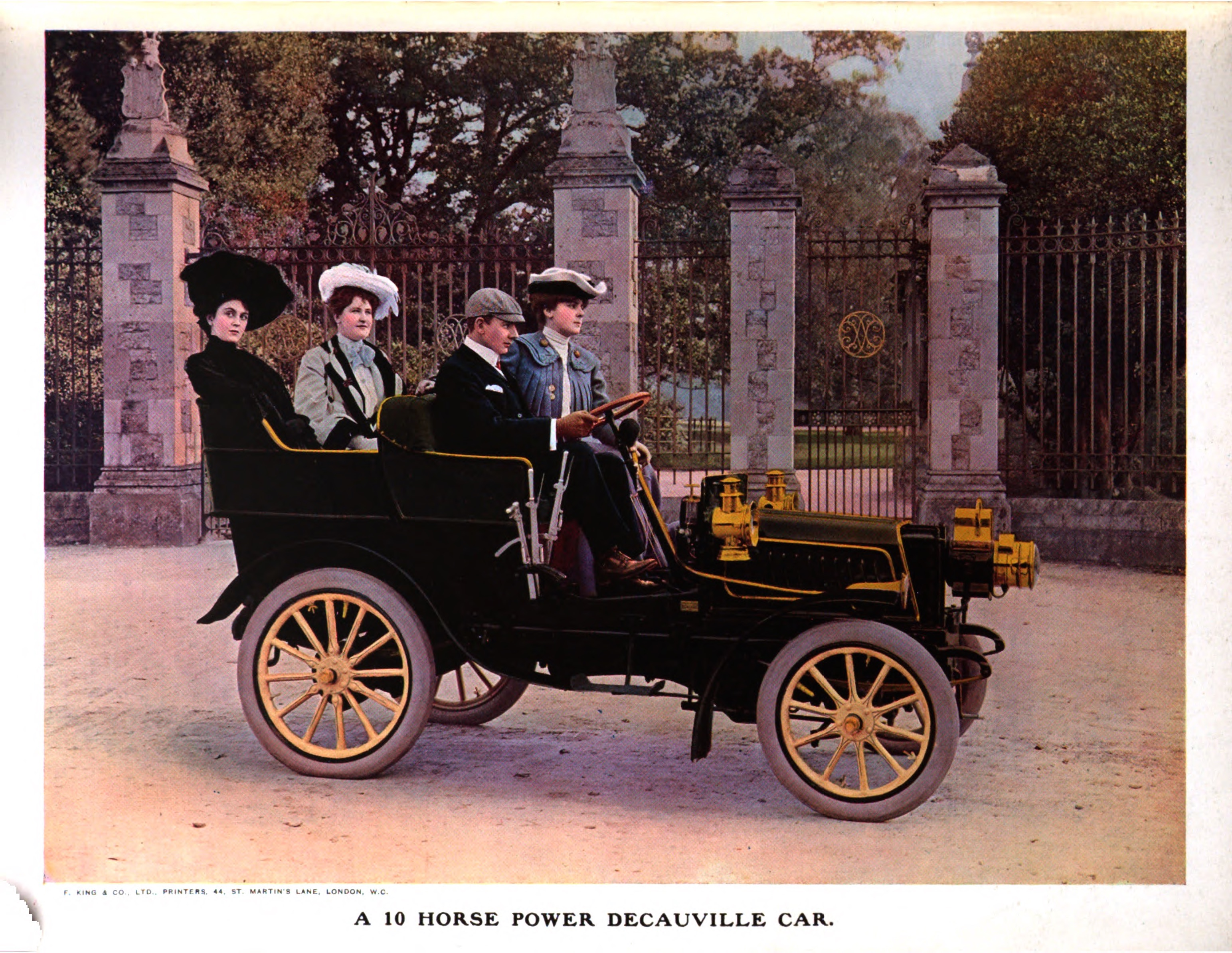 Decauville_10_horsepower_car_1903
