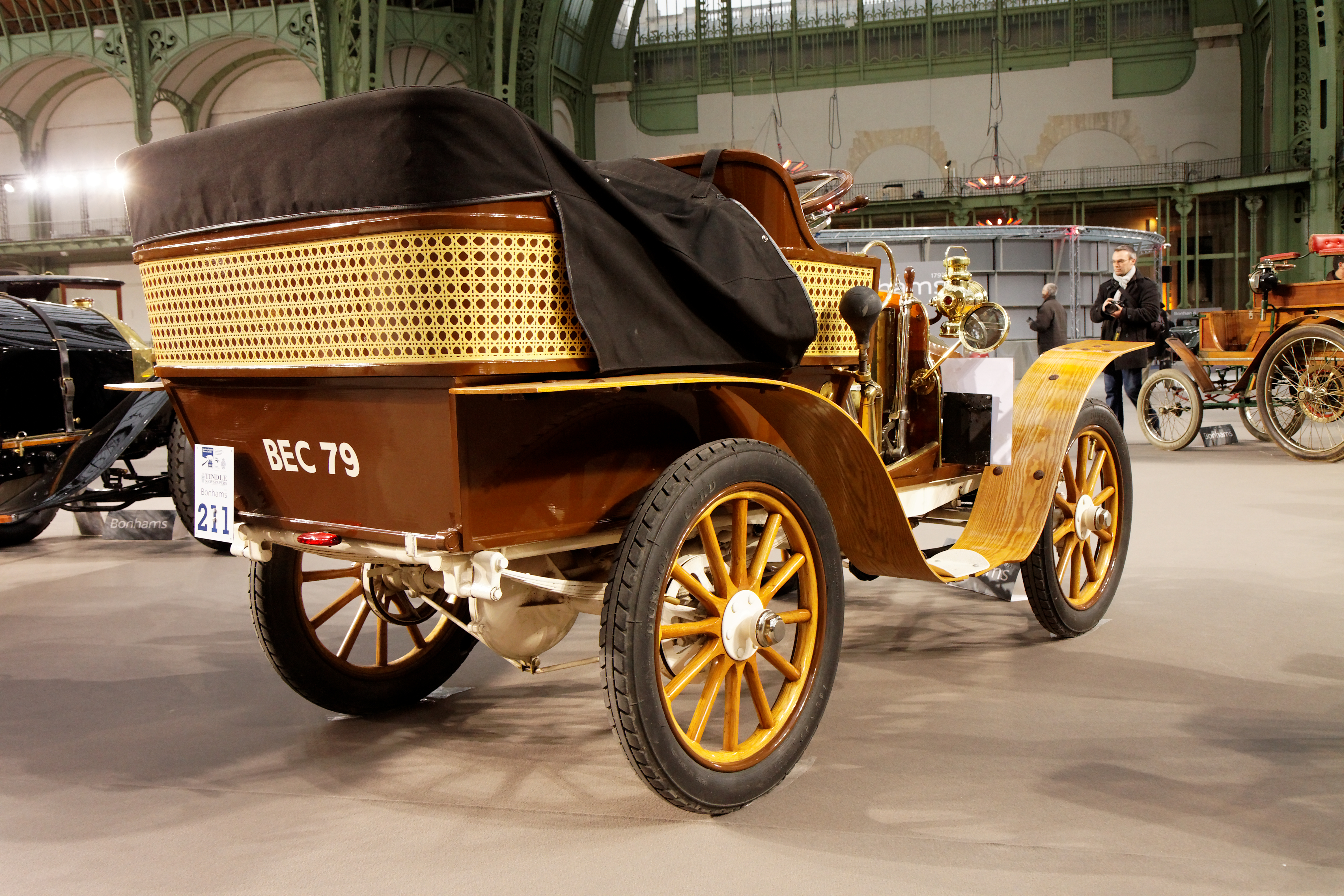 110_ans_de_lautomobile_au_Grand_Palais_-_Darracq_9_CV_Tonneau_-_1902_-_006