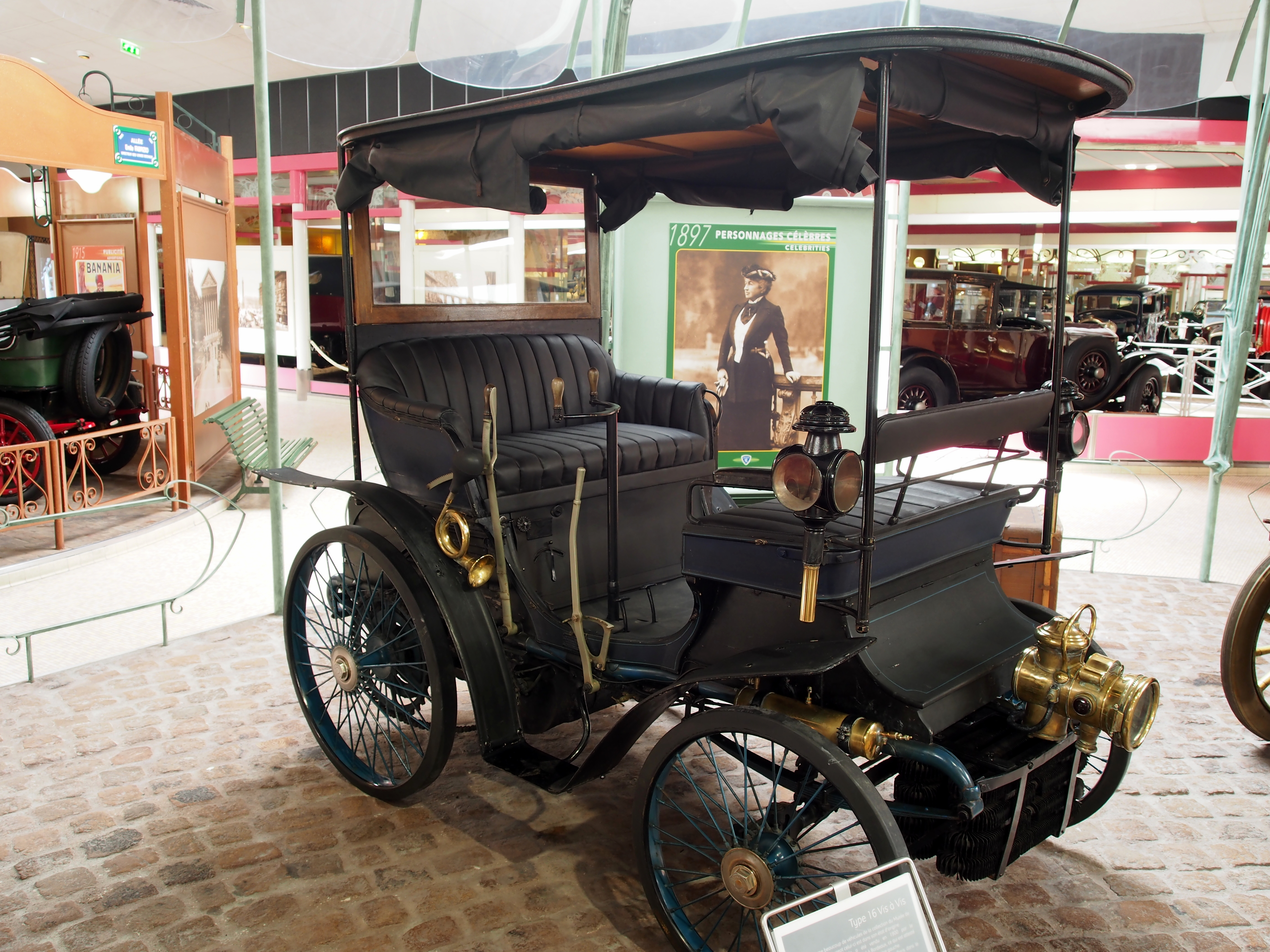 1897-1900_Peugeot_Type_16_Vis_à_Vis_photo_1