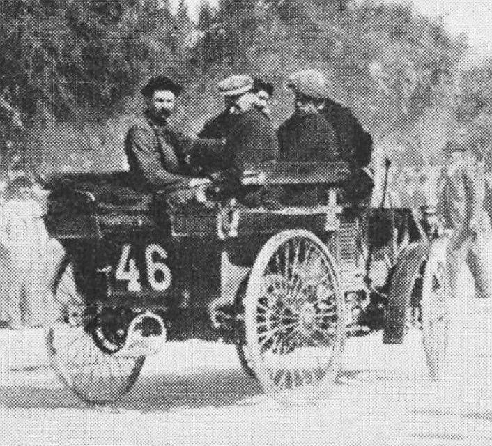 Monsieur_Berliet_au_départ_de_Marseille_sur_Peugeot_Paris-Marseille-Paris_1896